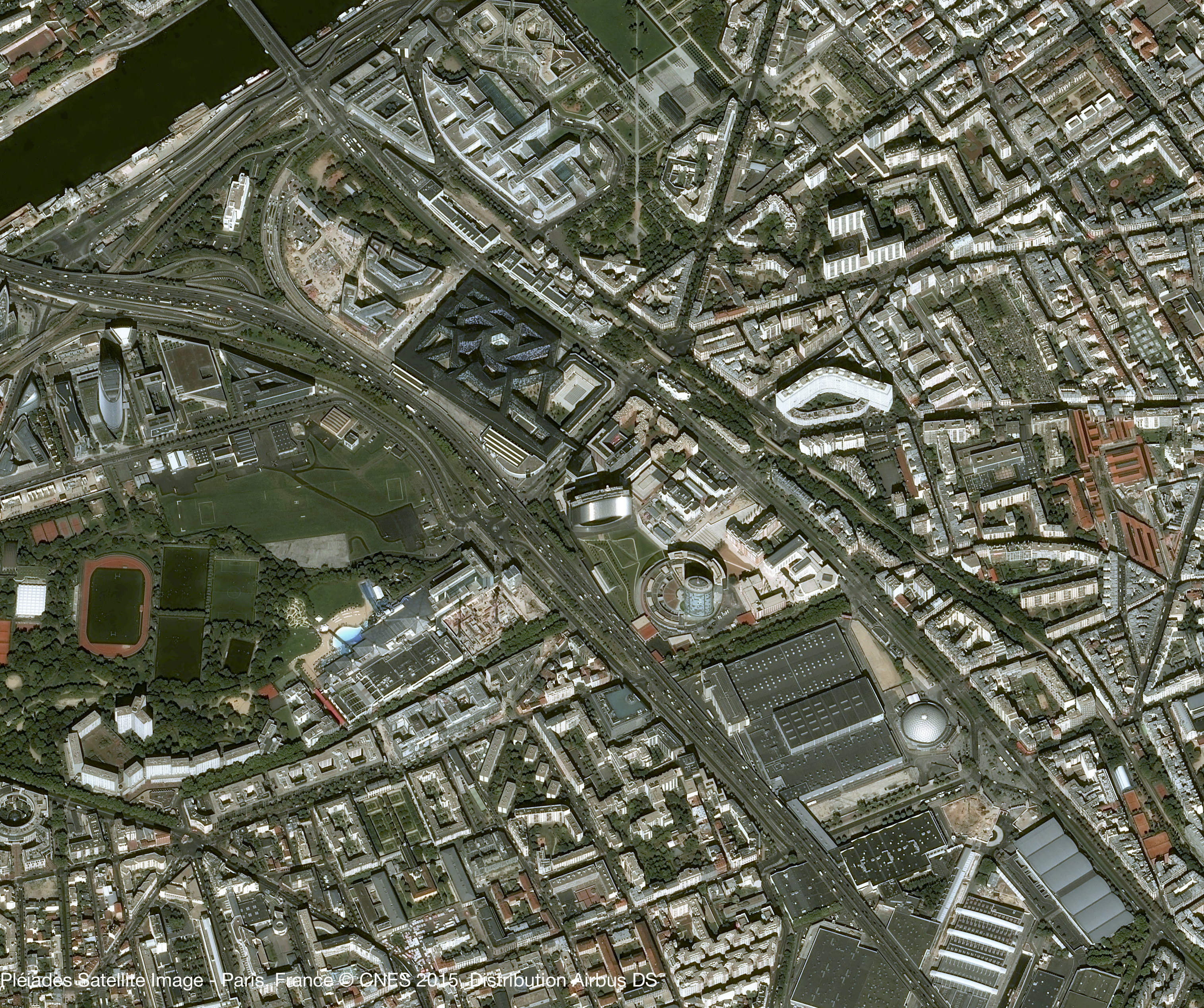 is_pleiades_paris_hexagone_balard_20151010.jpg