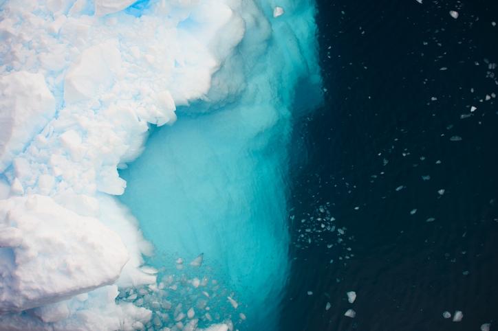 is_antarctique-vue-du-ciel-redtea.jpg