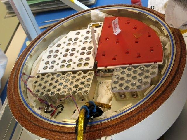Echantillons de l'expérience Uvolution à bord de la capsule Foton.