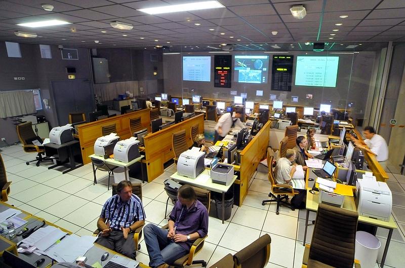 Centre de contrôle SCP2 de SMOS au CNES à Toulouse. Crédits : CNES.
