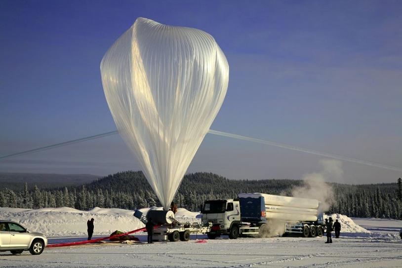Ballon stratosphérique ouvert à Kiruna. Crédits : CNES/A. DERAMECOURT.