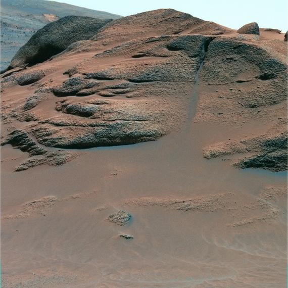 Comanche rock outcrop where the U.S. Spirit rover found carbonates in 2005 on Mars. Credits: NASA/JPL/Cornell University.