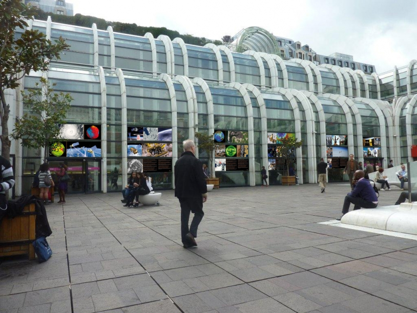 """""""Space for Earth"""" exhibition at the Forum des Halles, Paris, from 26 September to 15 October. Credits: CNES."""