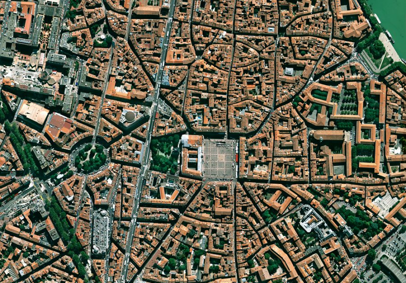 Simulated Pléiades imagery of the city of Toulouse. Credits: CNES.