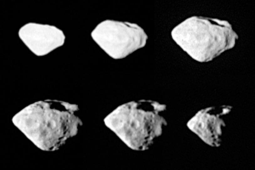 Plusieurs angle de prise de vue de Steins par Rosetta montrent un large cratère de 1,5 km de diamètre. Crédits: ESA ©2008 MPS for OSIRIS Team MPS/UPM/LAM/IAA