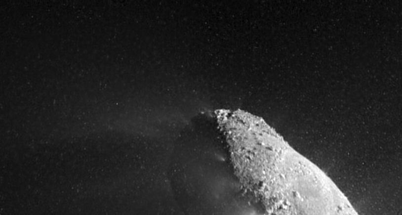 Le noyau de la comète 103P Hartley 2 photographié le 4 novembre 2010 lors de la mission EPOXI (NASA). Crédits : NASA/JPL_Caltech/UMD.