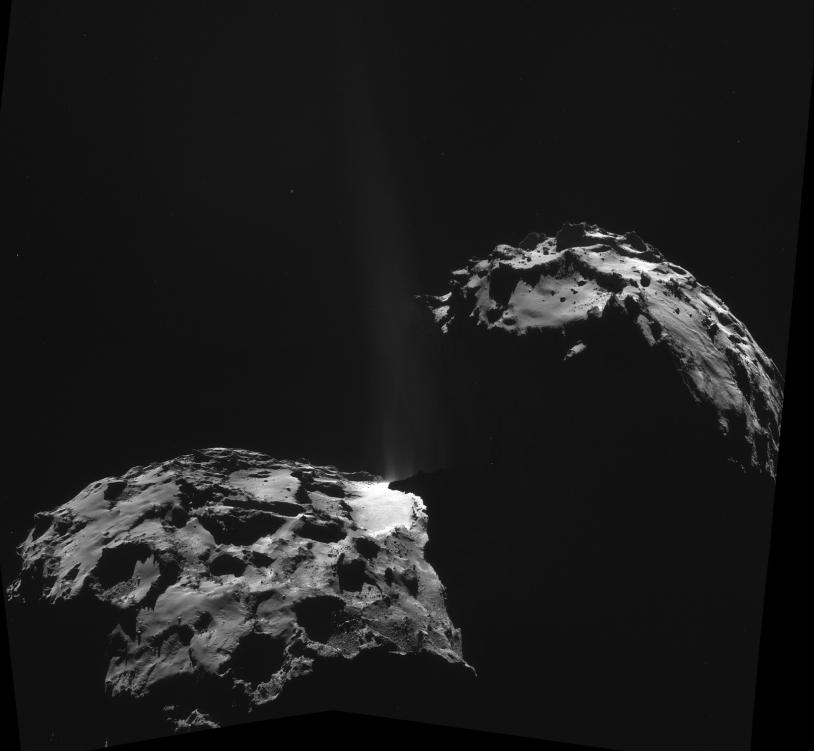 Assemblage des 4 images de la NavCam du 26 septembre 2014 (26,3 km de distance du centre du noyau). Crédits : ESA/Rosetta/NavCam/Elisabetta Bonora & Marco Faccin.