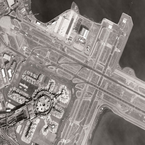 Aéroport de San Francisco par Pléiades
